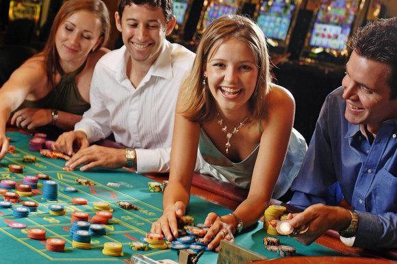 Игроки казино почему нельзя играть в карты на улице
