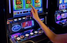 Игровые автоматы в онлайн казино статья платежная система интерактивный клуб игровые автоматы новости игорного бизнеса