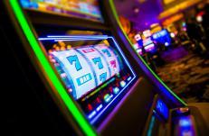 Зеленые игровые автоматы в магазинах стратегия игровые автоматы олимпик